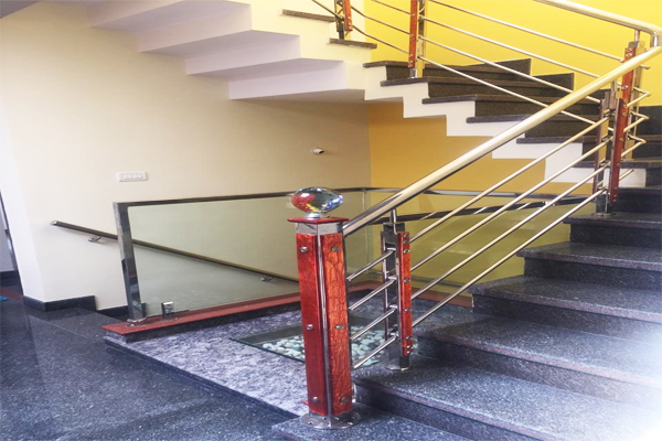 staircase-handrail-manufacturers